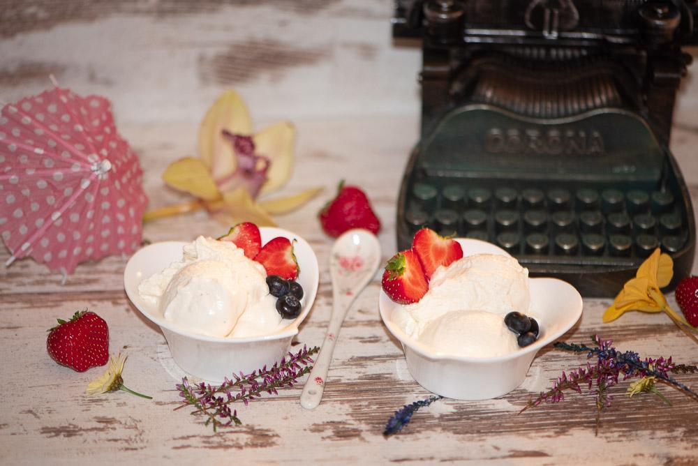 Vanilleeis mit Sahne - Rezept ohne Zucker