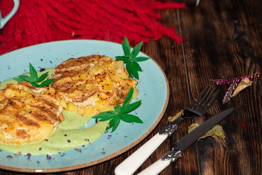 Spanisches Omelett im Optigrill in der Backschale zubereitet.